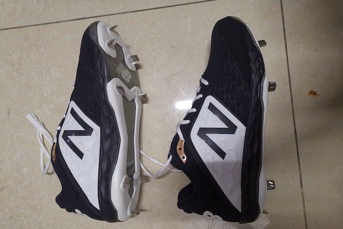 New Balance Men's 3000 V4 TPU Molded Baseball Shoe1